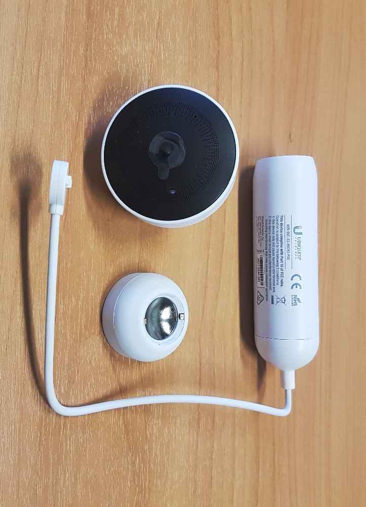 Рисунок 3. Камера и магнитный шарнир.
