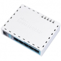 MikroTik RouterBOARD 750G r3